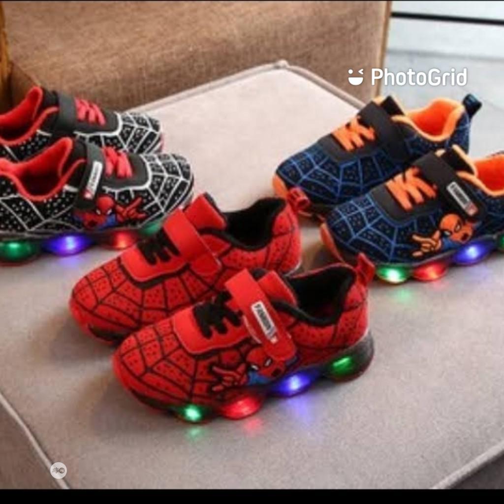 Hot Selling 2020 Kids Led Light Spider Design Shoes