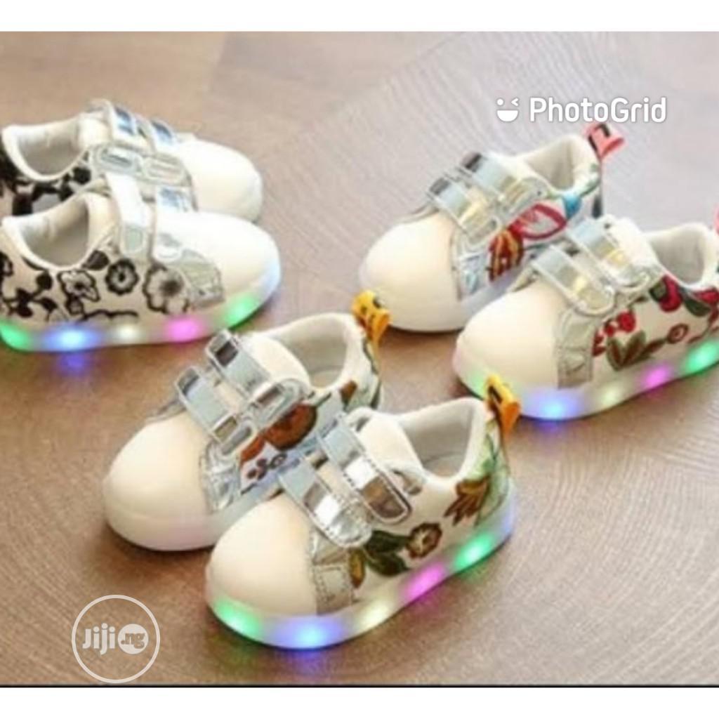 Hot Selling Led Light Luminous Kids Shoes