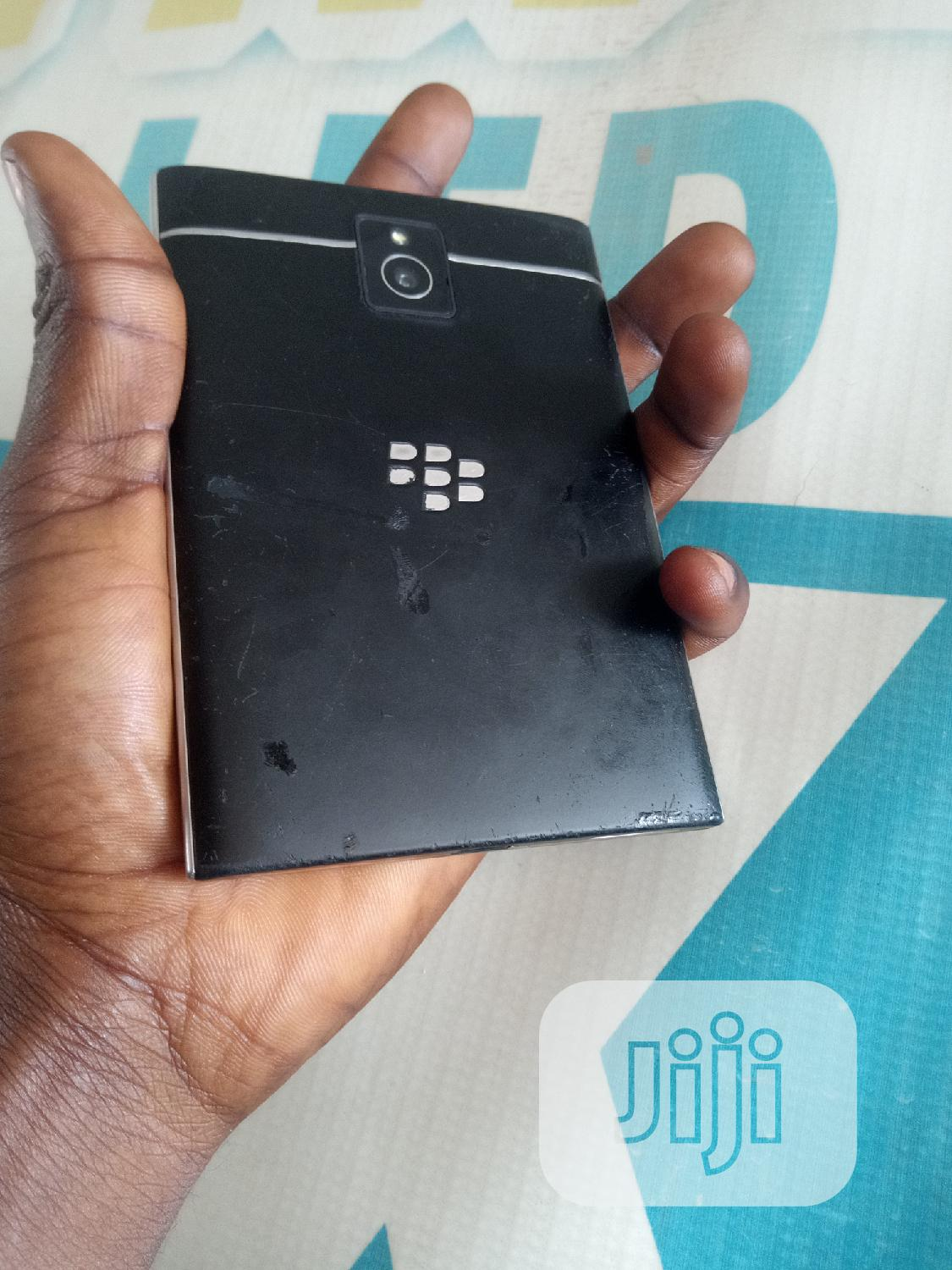 BlackBerry Passport 32 GB Black | Mobile Phones for sale in Wuse 2, Abuja (FCT) State, Nigeria