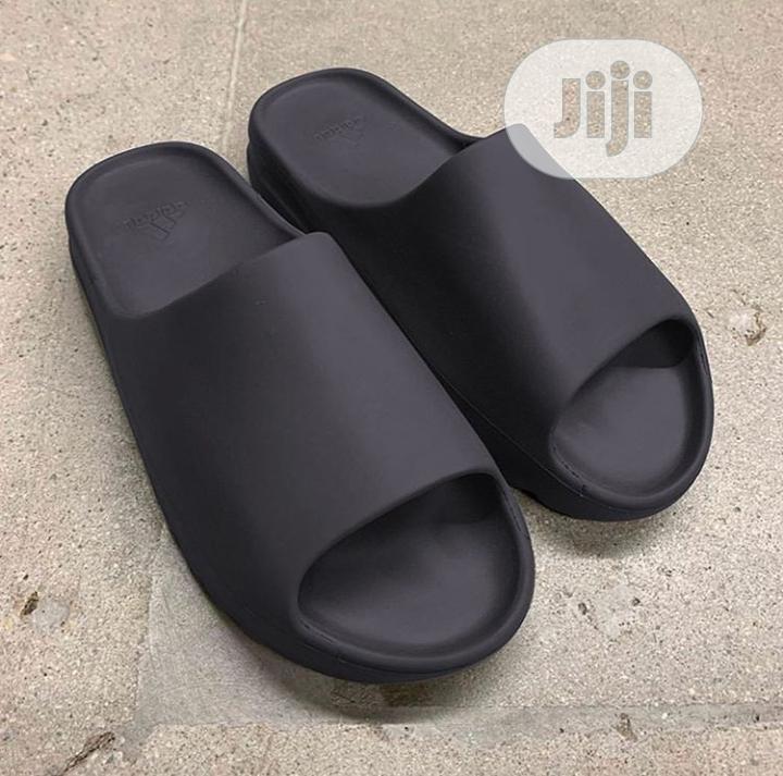 Yeezy Slide
