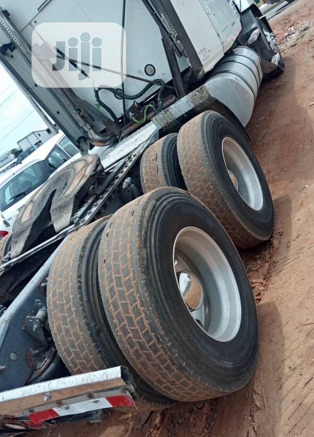 2008 Mack Vision Tractor Head Truck | Heavy Equipment for sale in Amuwo-Odofin, Lagos State, Nigeria