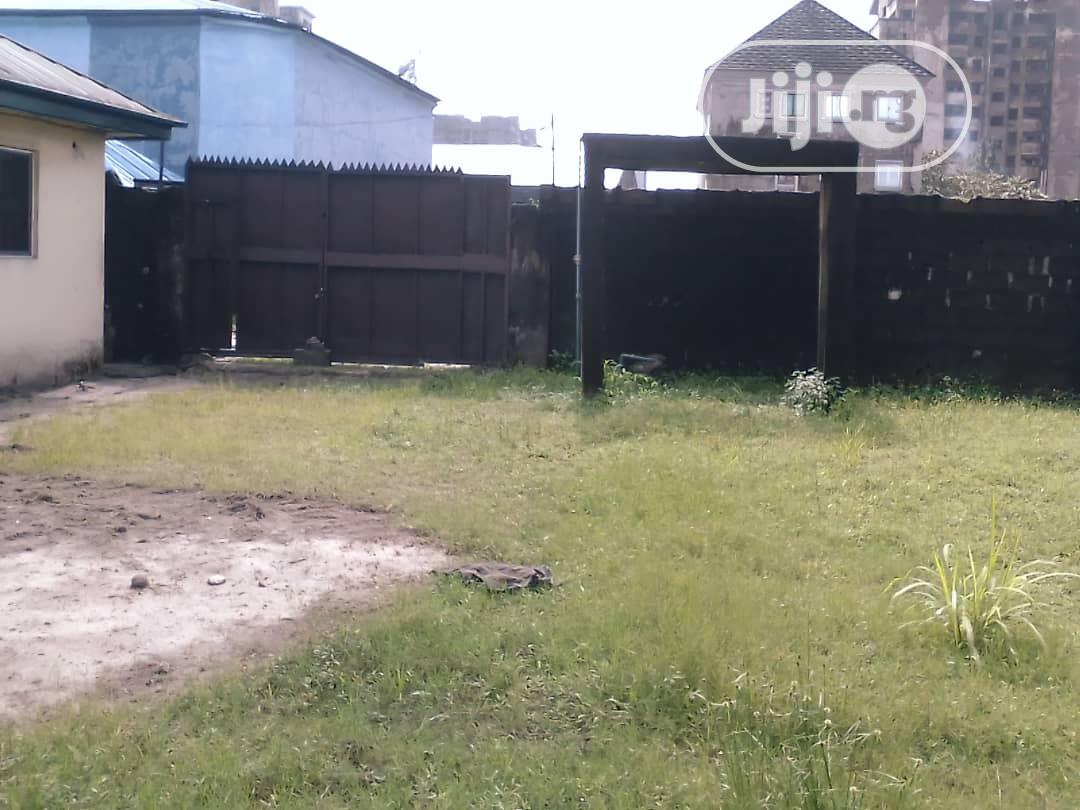 For Sale: Bungalow With 2 No of 2 Bedr Flats at Amadi Ama, PH | Houses & Apartments For Sale for sale in Port-Harcourt, Rivers State, Nigeria