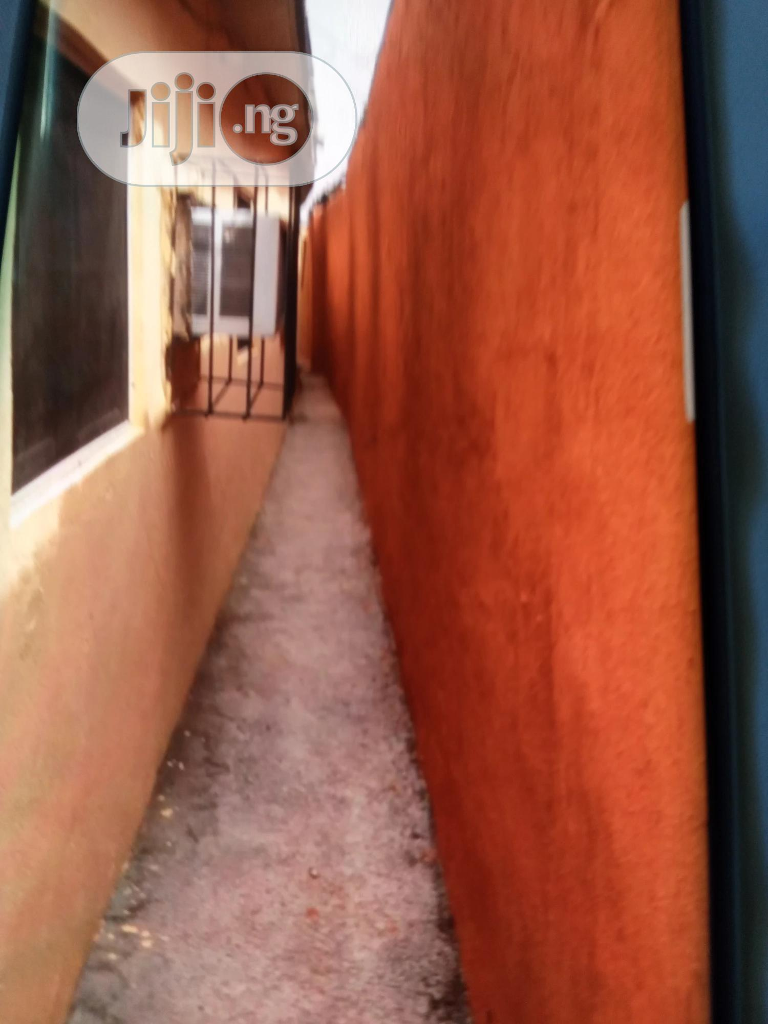 Archive: 4 Bed Bedroom And Palour 2 Bathrooms