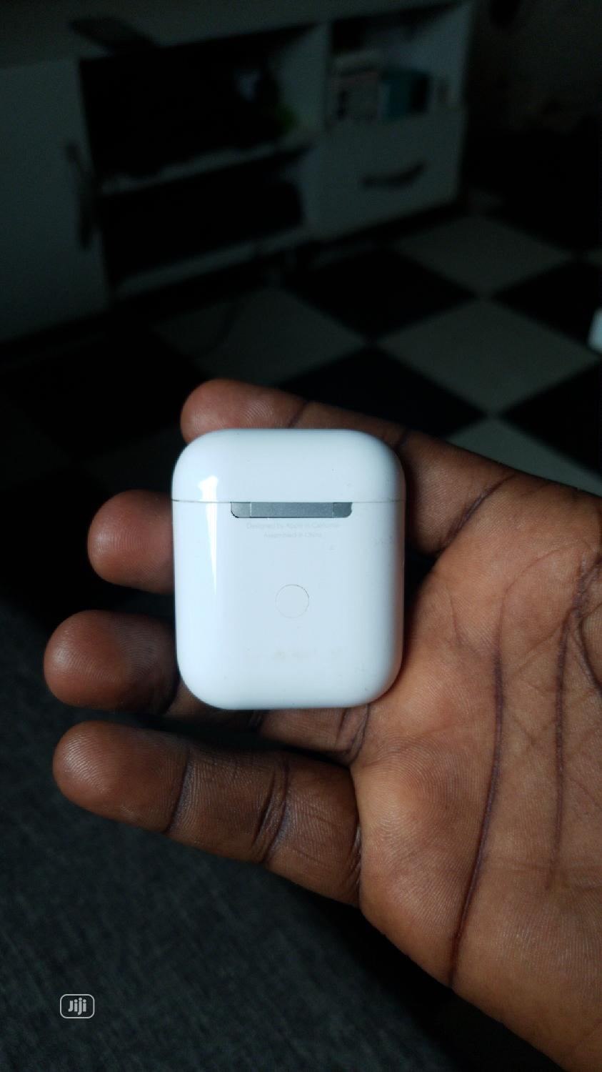 Archive: Apple Airpods 2 Original With Accessories