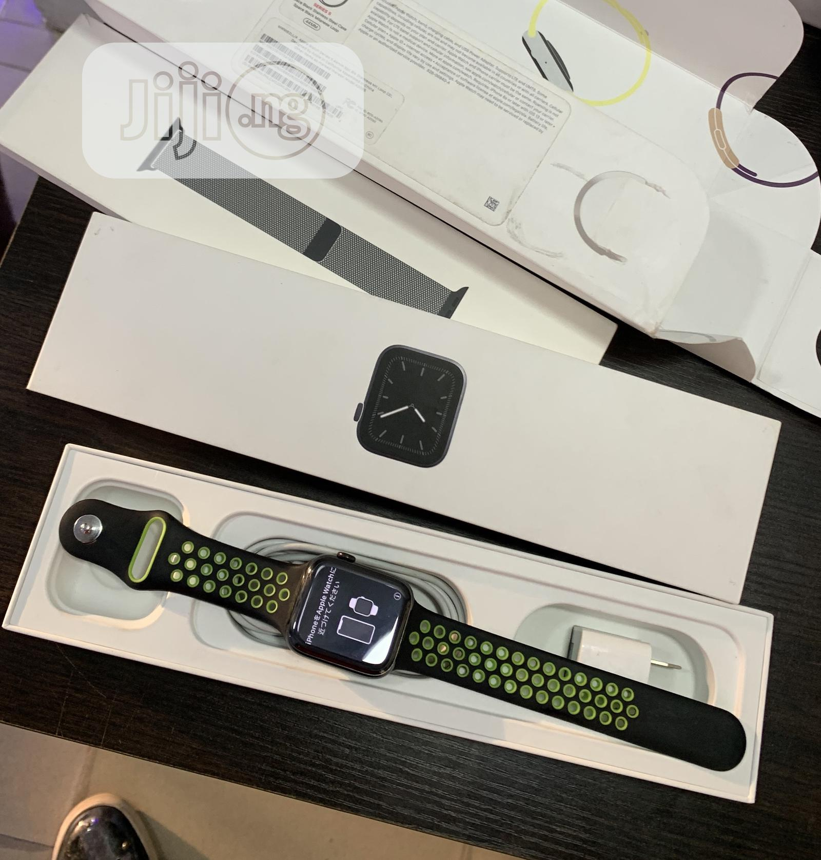 Apple Watch Series 5 44MM | Smart Watches & Trackers for sale in Port-Harcourt, Rivers State, Nigeria
