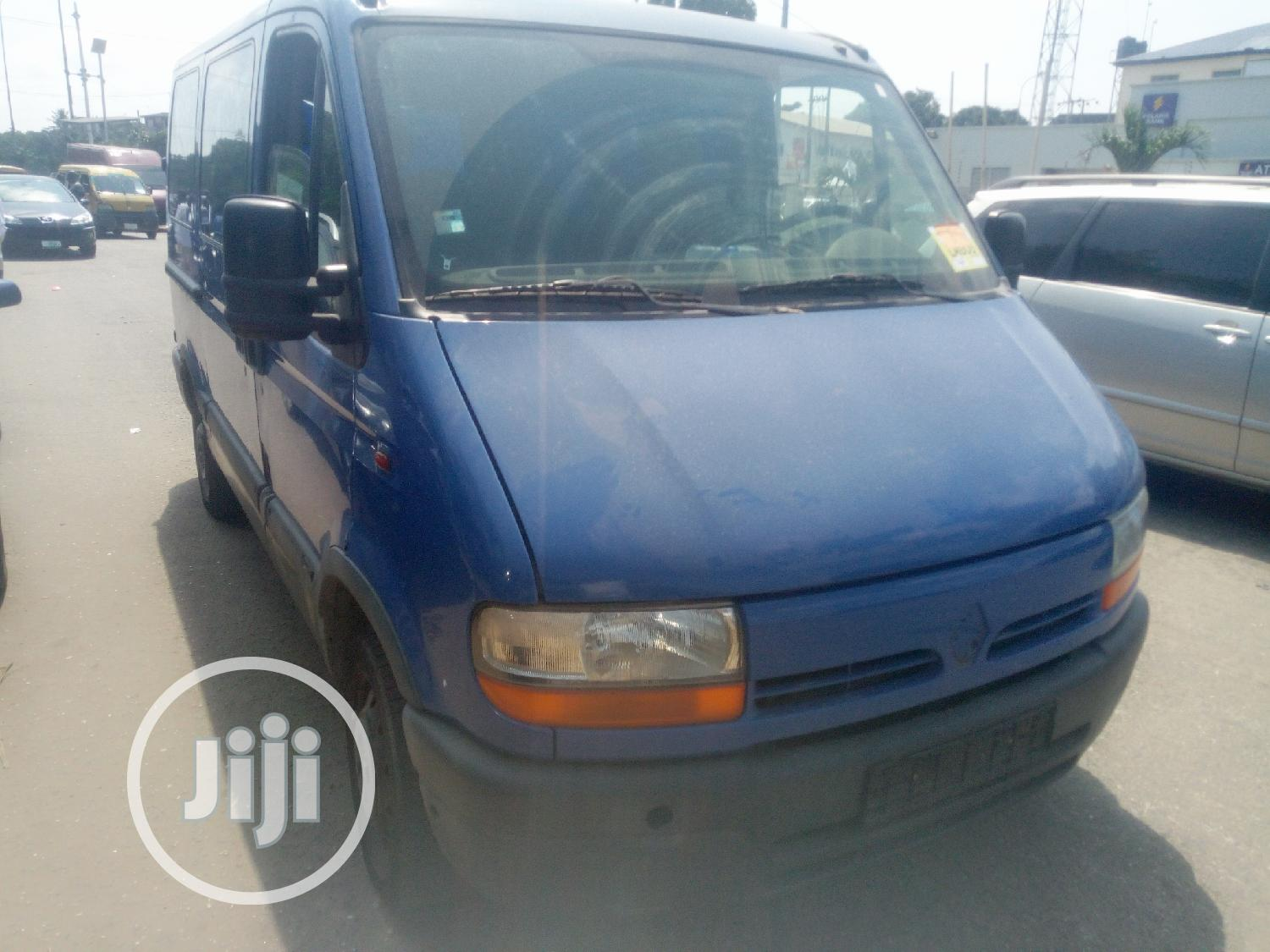 Archive: Renault Master 2000 Blue