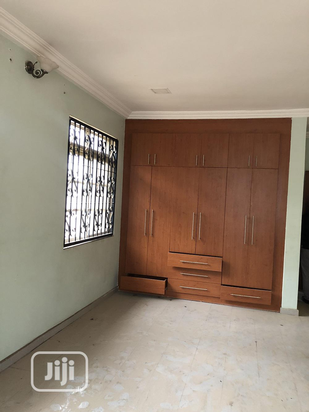 Five Bedroom Fully Detached Duplex, With Two Rooms Guest Cha | Houses & Apartments For Sale for sale in Gwarinpa, Abuja (FCT) State, Nigeria