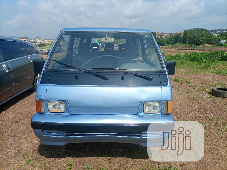 Mitsubishi L300 1997 Blue