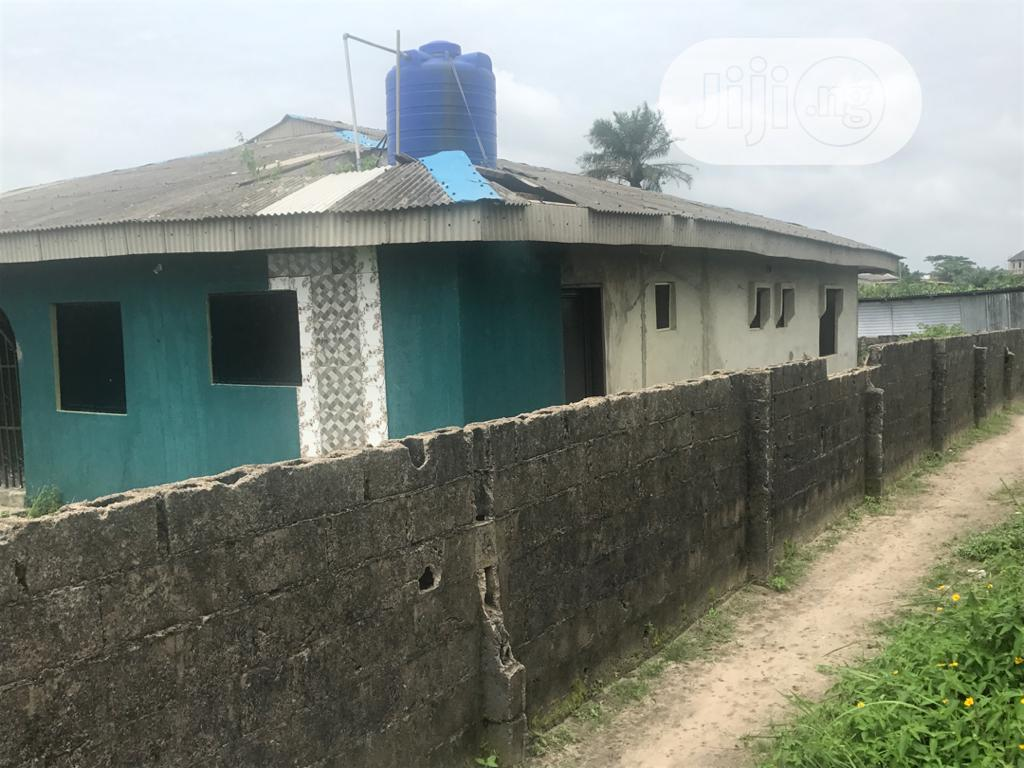 3bedroom Flat With A Room N Parlor At D Back On 1nd 1/2 Plot | Houses & Apartments For Sale for sale in Badagry, Badagry, Nigeria