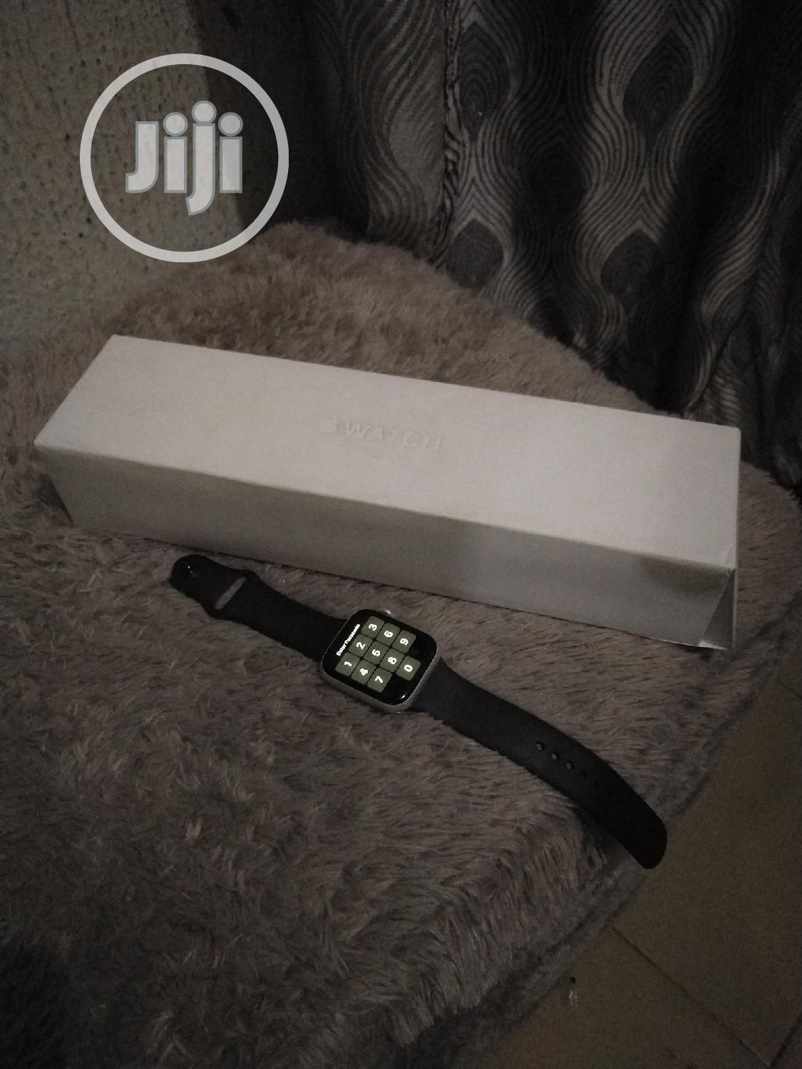 Apple Watch Series 5 | Smart Watches & Trackers for sale in Warri, Delta State, Nigeria