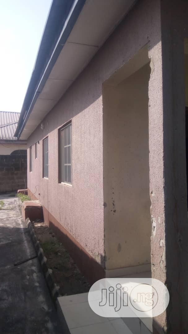Archive: 3 Bedroom(S) Apartments All Rooms En-suite Mowe For Sale.