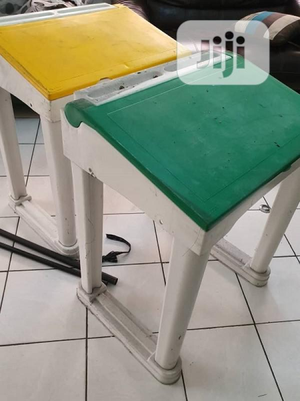 Archive: Children Reading Tables