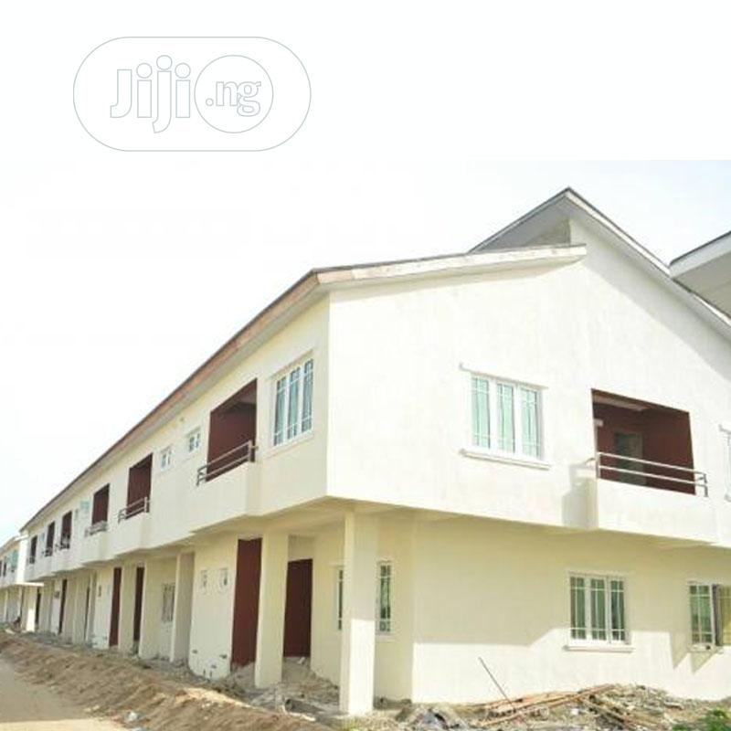 Very Clean 2 Bedroom Flat For Sale In Meridian Park Estate | Houses & Apartments For Sale for sale in Chevron, Lekki, Nigeria