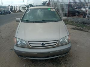 Toyota Sienna 2003 Gold   Cars for sale in Lagos State, Amuwo-Odofin