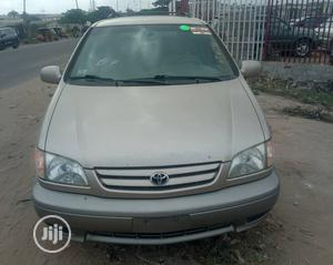 Toyota Sienna 2002 LE Gold | Cars for sale in Lagos State, Lekki