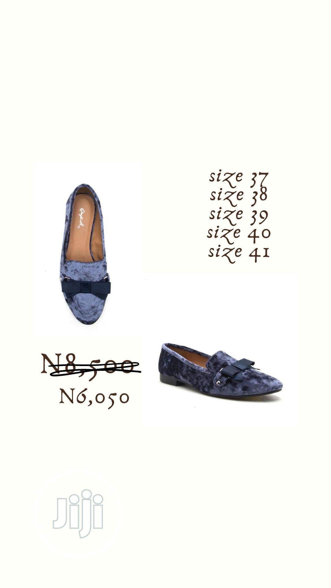 Fashion Ladies Dark Blue Crush Velvet Female Flat Shoe