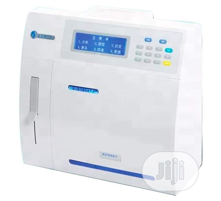 Audicom 9900 Electrolyte Analyzer Machine
