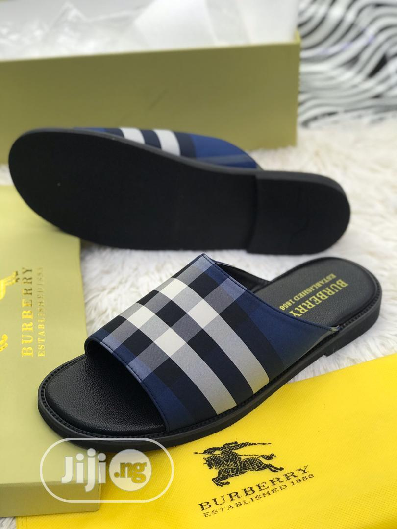 Quality Burberry Slide/Slippers