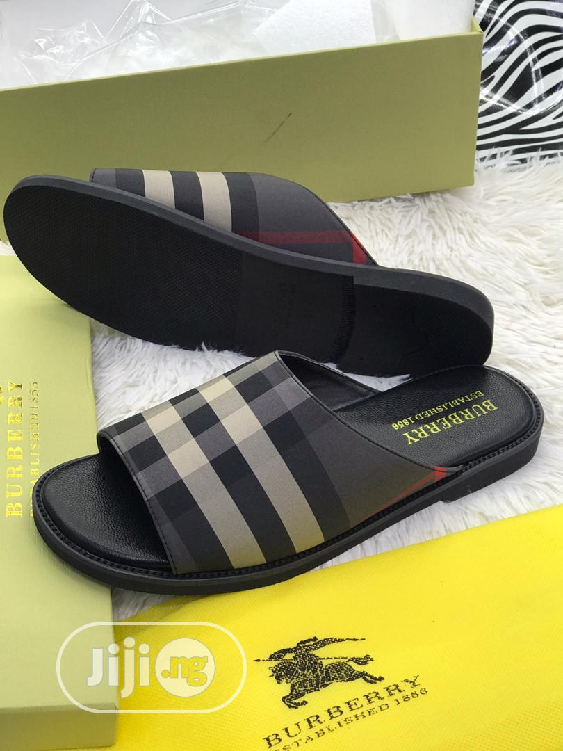 Quality Burberry Slide/Slippers | Shoes for sale in Lagos Island (Eko), Lagos State, Nigeria
