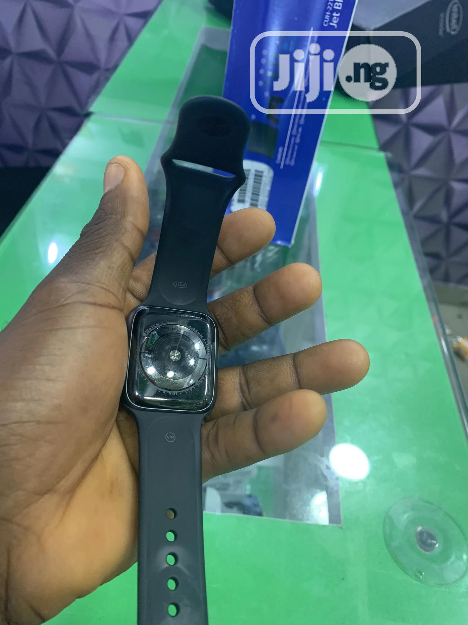 Apple Watch Series 4.. | Smart Watches & Trackers for sale in Ikeja, Lagos State, Nigeria