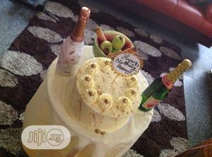 Cream Birthday Cakes   Party, Catering & Event Services for sale in Lagos State, Ikoyi