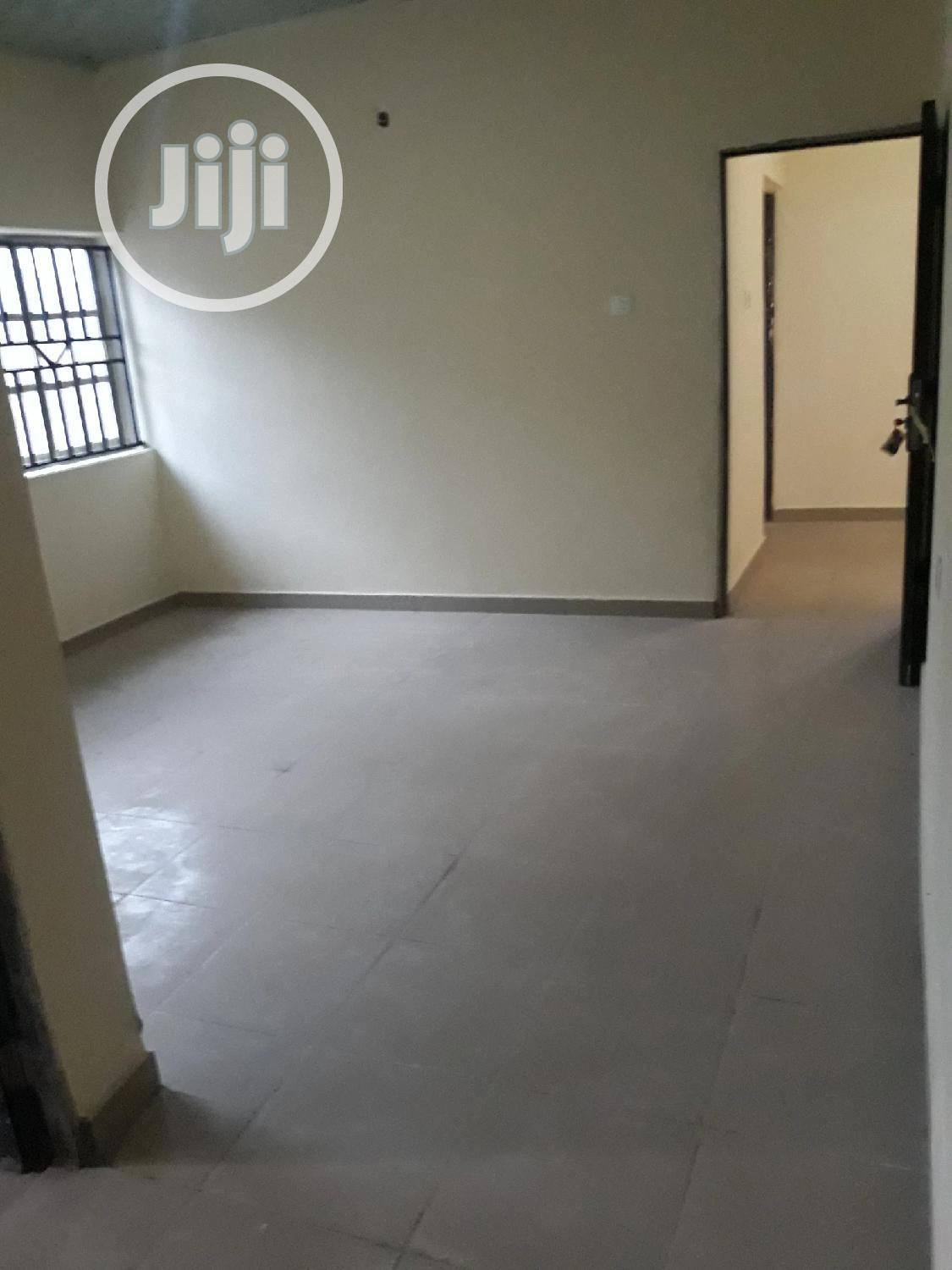 Archive: Newly Built 1bedroom Flat