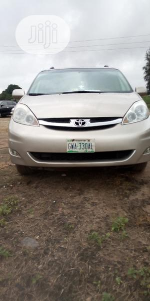 Toyota Sienna 2005 XLE Limited Gold | Cars for sale in Abuja (FCT) State, Kubwa