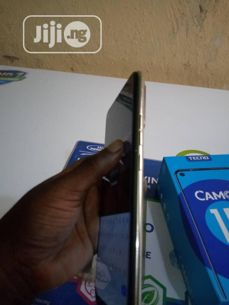 Archive: Tecno Camon 15 64 GB
