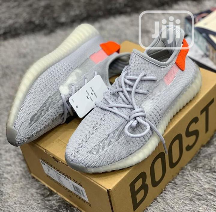 High Quality Adidas Yeezy Boost in