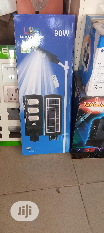 90 Watts Led Solar Street Light