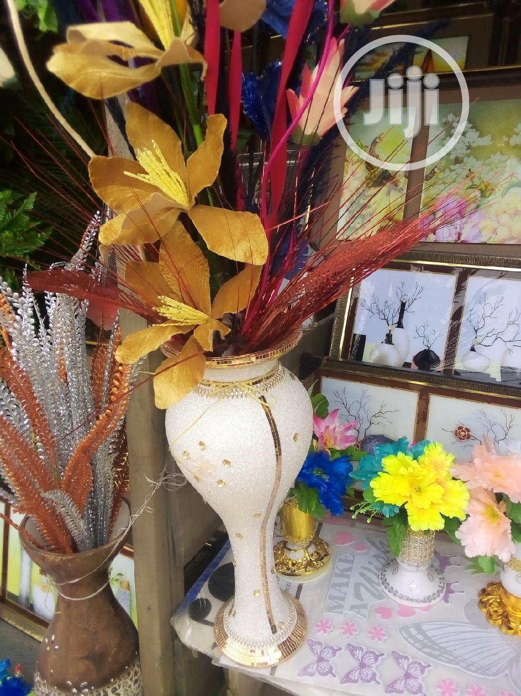 Super Unique Flower Pot, With Beautiful Flowers