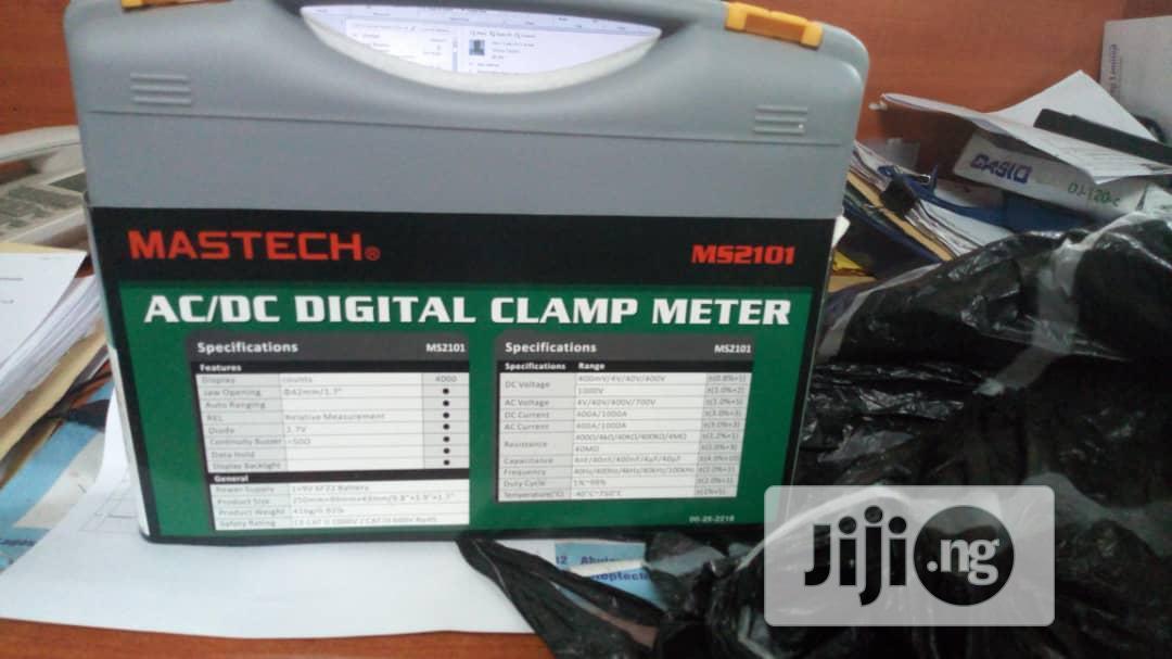 Ac/Dc Digital Clamp Meter