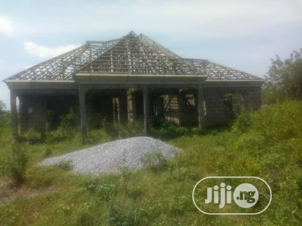 5 Bedroom Flat on 3 Plots of Land for Sale