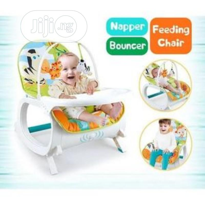 2 In 1 Potable Infant To Toddler Soother Rocker With Tray