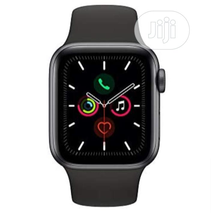 Apple Watch Series 5 | Smart Watches & Trackers for sale in Lagos Island (Eko), Lagos State, Nigeria