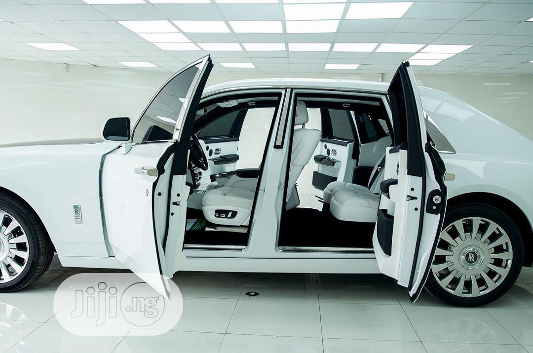 New Rolls-Royce Phantom 2020 Base EWB White
