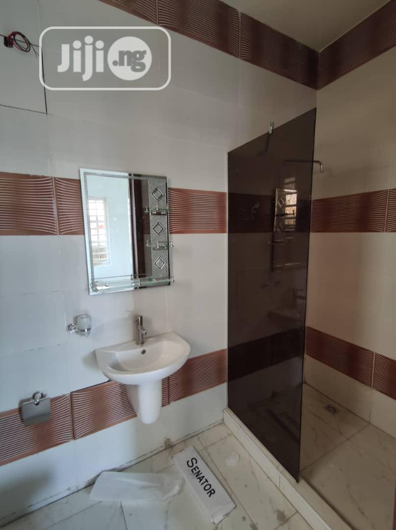 Archive: 5 Bedroom Fully Detached Duplex