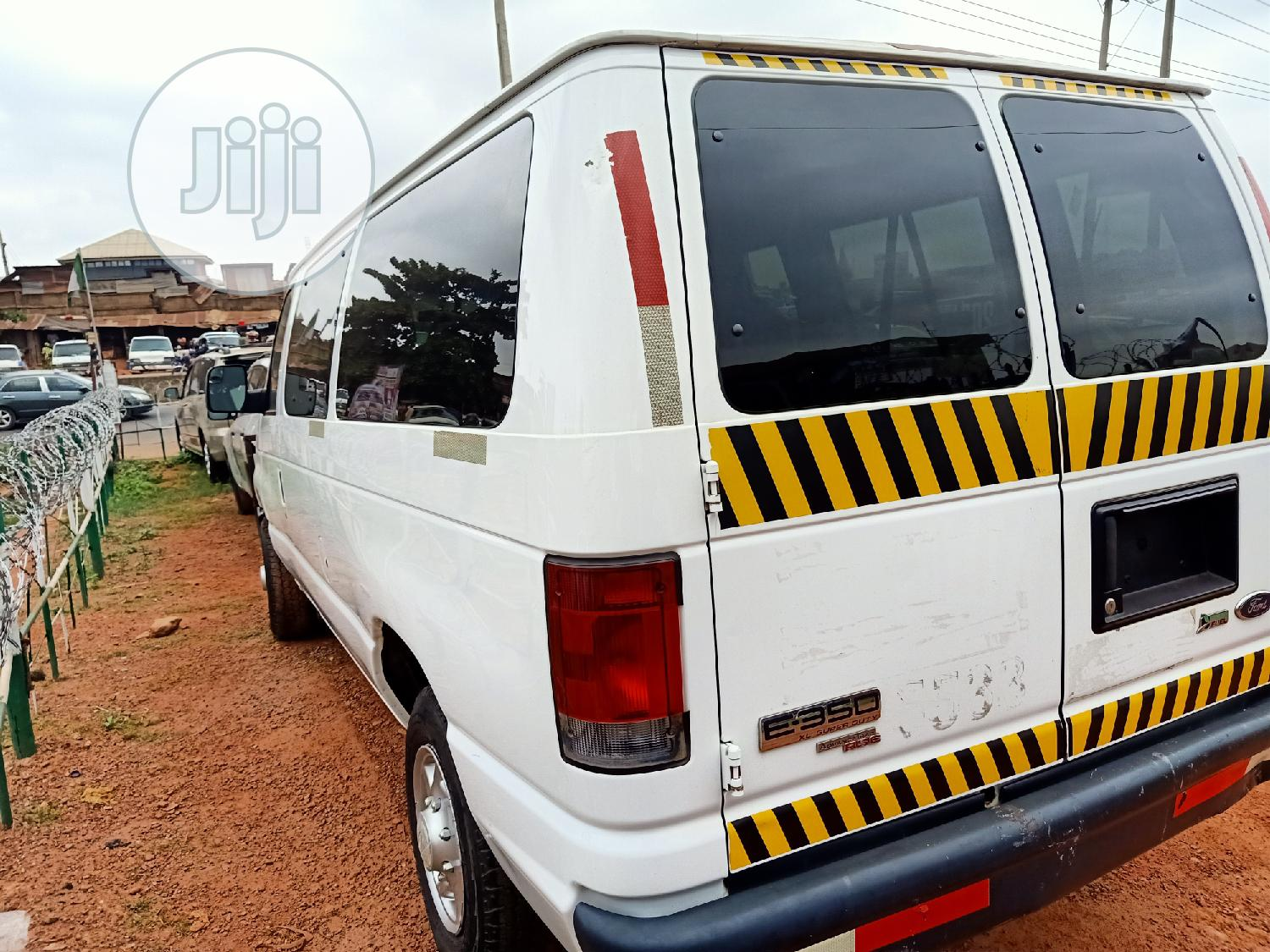 Archive: Clean Ford E350 2010 White