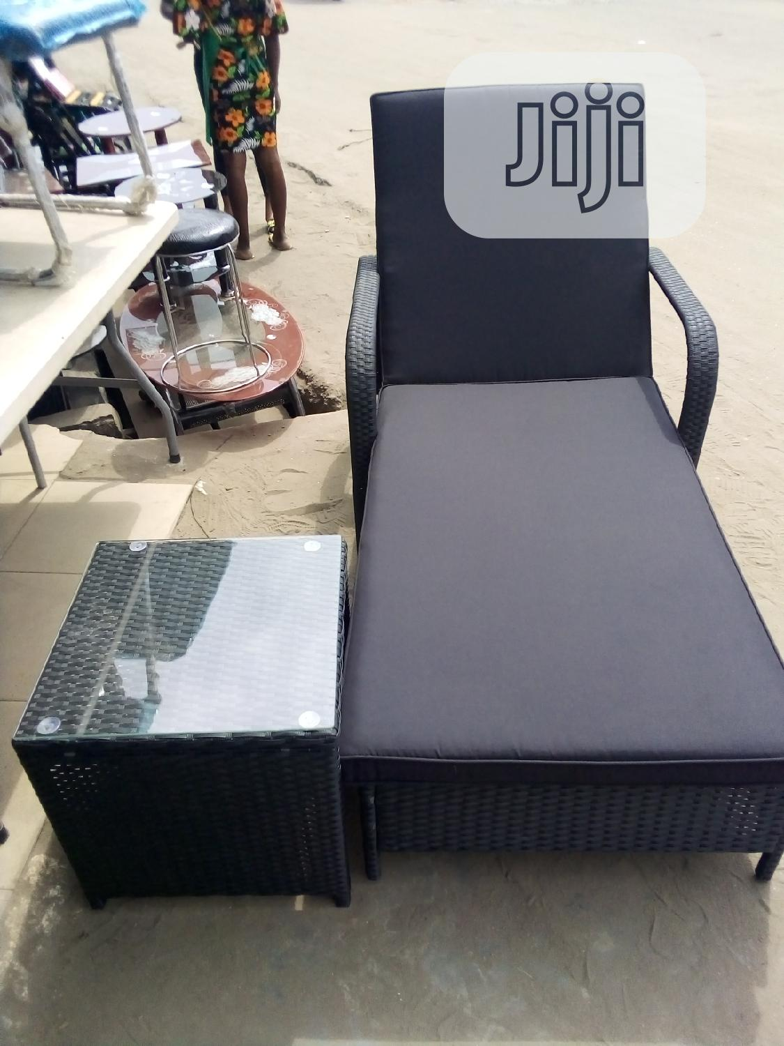 Unique Mobile Basket Swimming Pool Chair With Side Stool