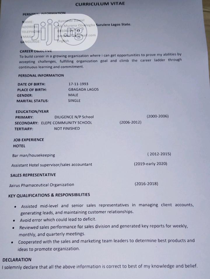 Male/Female Hotel Worker/Bar Attendant