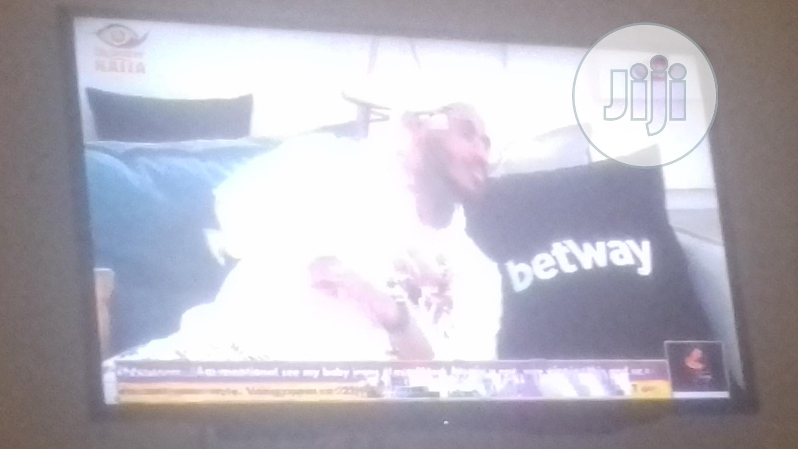 Archive: Neatly Used Sony Bravia 40inches Forsale