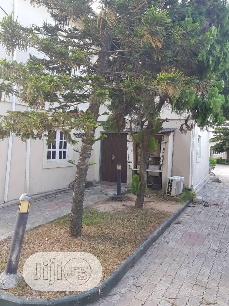 Massive 6bedroom Fully Detached House + BQ   Houses & Apartments For Sale for sale in Ikoyi, Lagos State, Nigeria
