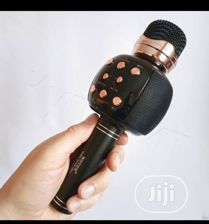 Wireless Karaoke Bluetooth Microphone With Inbuilt Speaker