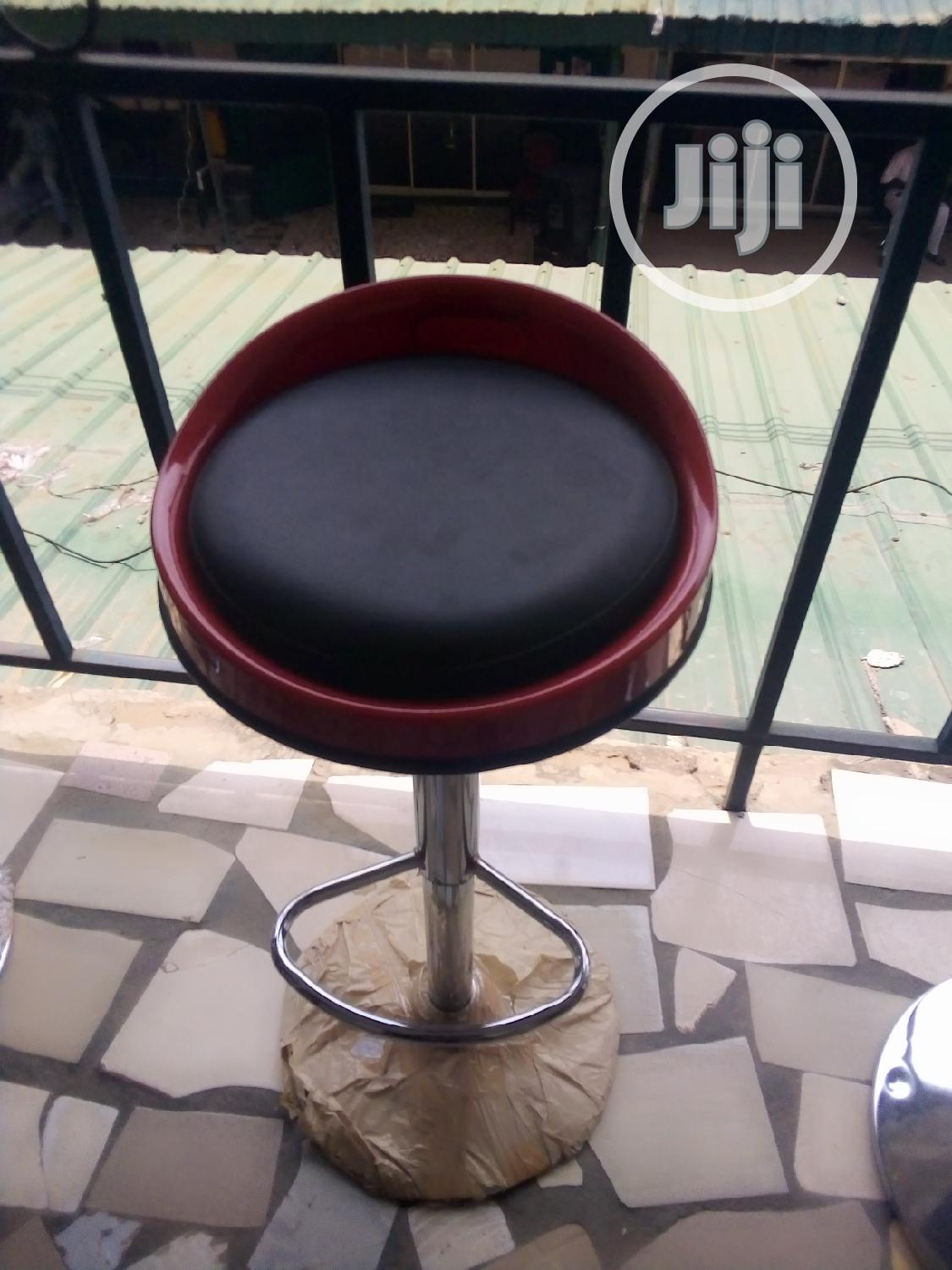 Unique Swivel Fibre Bar Stool, With Foam Pad On The Sit