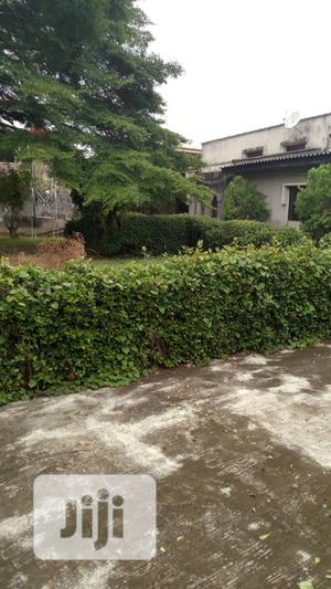 Furnished 5bdrm Bungalow in Ajao Estate, Isolo for Sale   Houses & Apartments For Sale for sale in Lagos State, Isolo