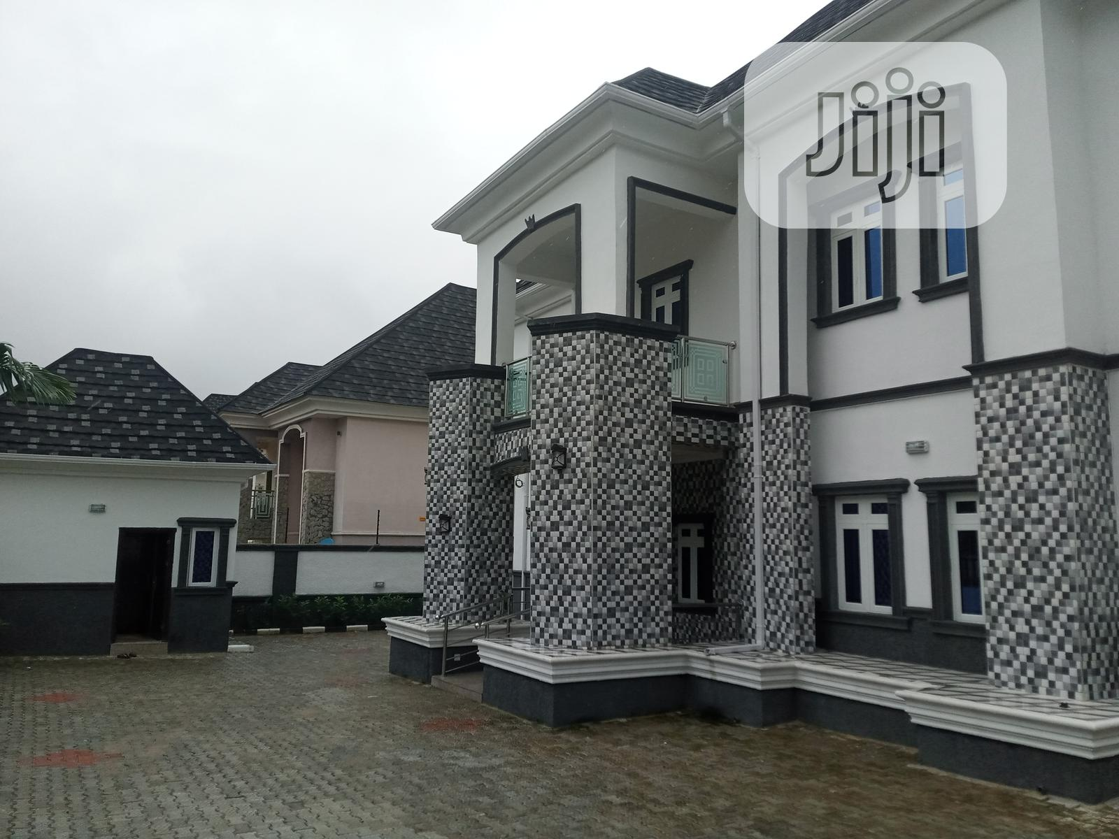 6 Bedroom Fully Detached Duplex With 2 Sitting Rooms & 2 Bq