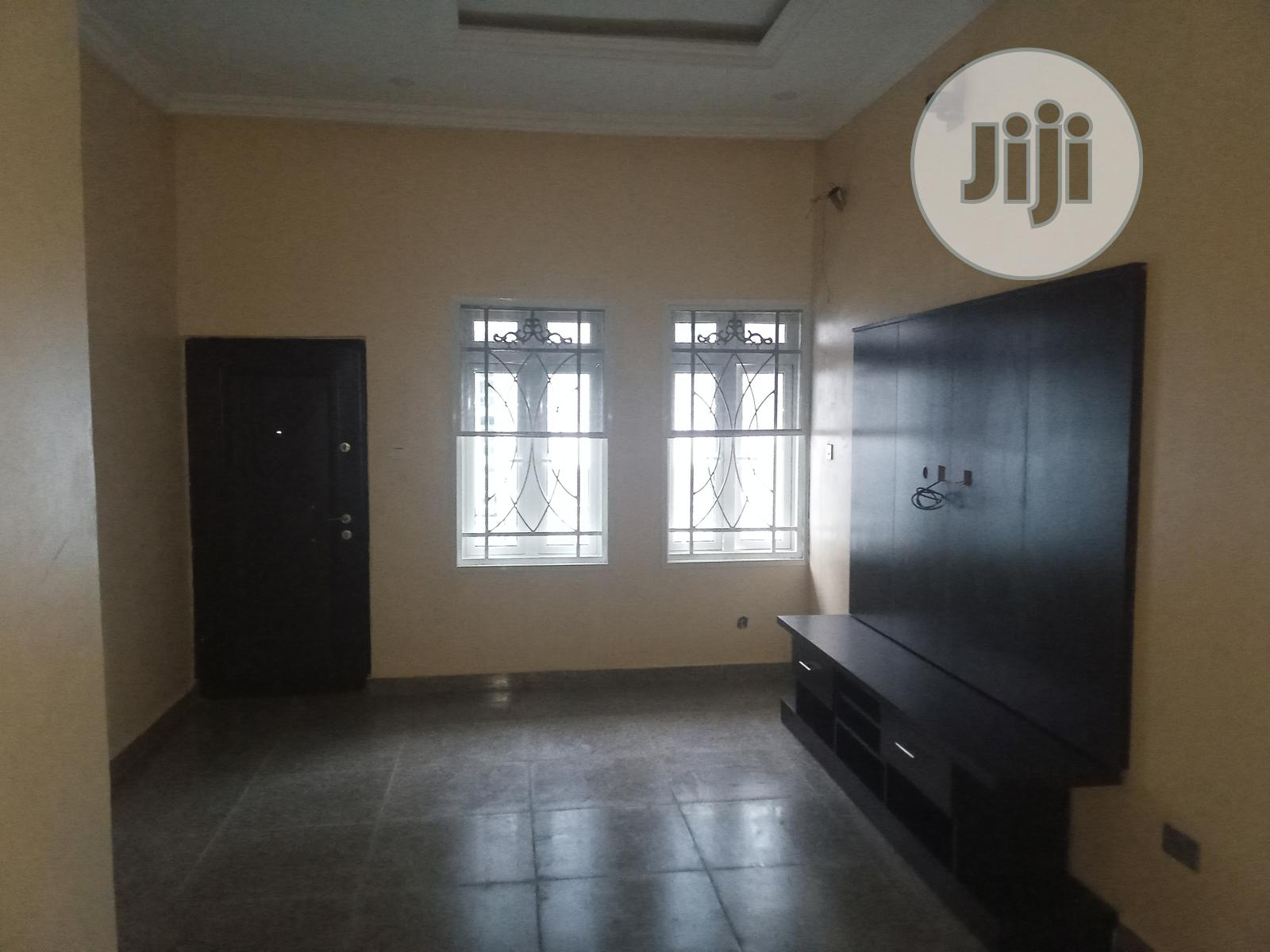6 Bedroom Fully Detached Duplex With 2 Sitting Rooms & 2 Bq | Houses & Apartments For Sale for sale in Gwarinpa, Abuja (FCT) State, Nigeria