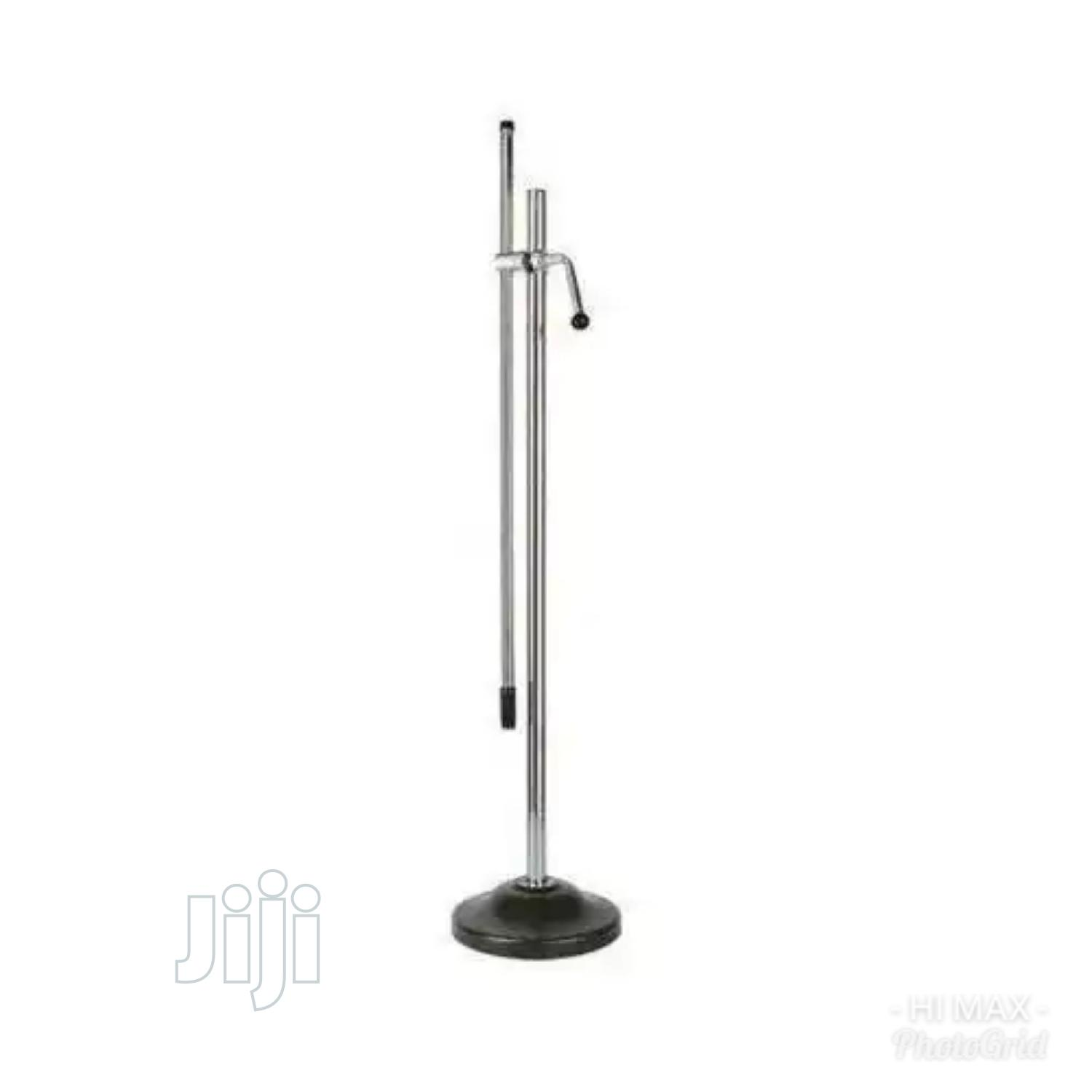 Archive: Round Base Microphone Stand