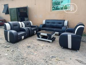 Set of 7 Sitters Sofa Chair and Centre Table. Leather Couch   Furniture for sale in Lagos State, Surulere