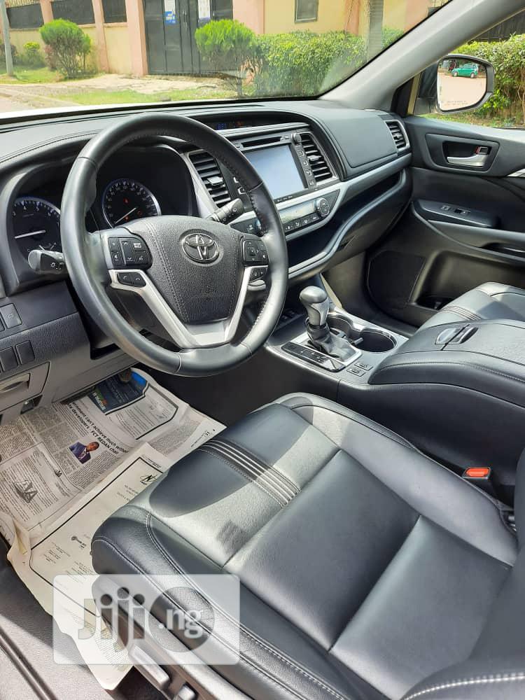 Toyota Highlander 2018 White | Cars for sale in Garki 1, Abuja (FCT) State, Nigeria